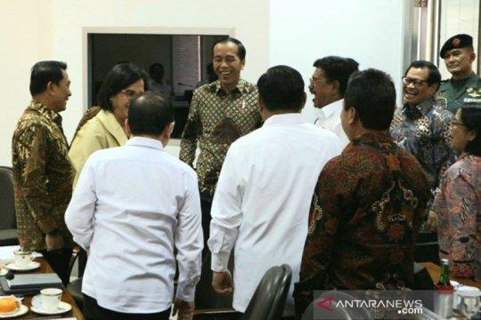 Keguyuban para menteri sebelum rapat bersama Presiden