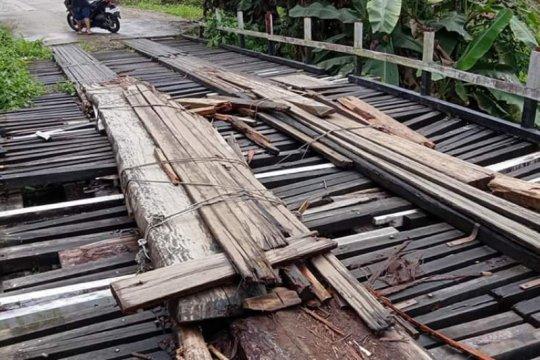 Tiga jembatan Kapuas Hulu perbatasan Indonesia - Malaysia dibangun