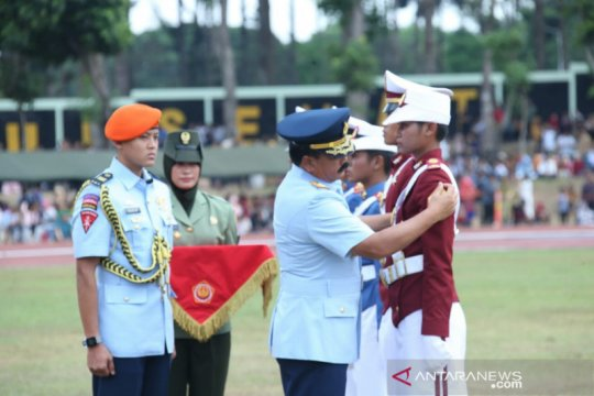 Panglima TNI wisuda 860 taruna baruTNI-Polri