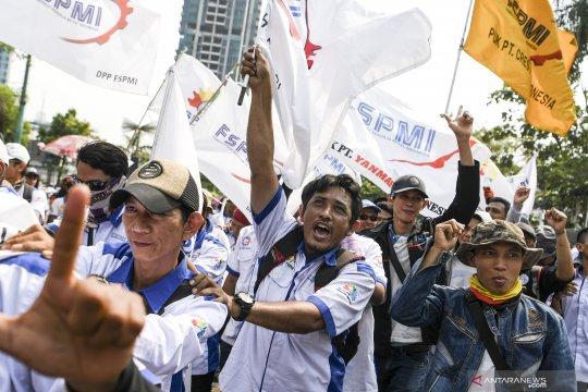Di Kemnaker, buruh aksi usung isu UU Cipta Kerja dan UMP 2021