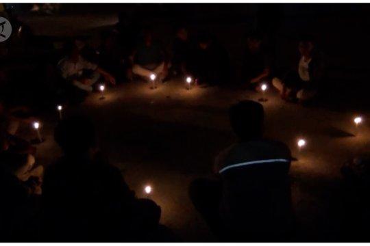Doa Bersama Untuk Randi & Yusuf Di Lokasi Penembakan