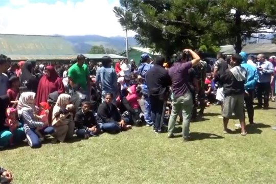 Pemerintah mengganti kerusakan bangunan di Ambon dan Wamena