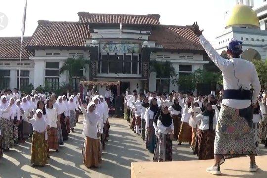 Senam batik meriahkan Hari Batik di Pekalongan