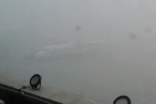 Asap kembali ganggu penerbangan di Bandara SMB II Palembang