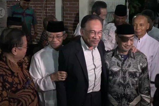 Anwar Ibrahim silaturahmi ke keluarga Habibie