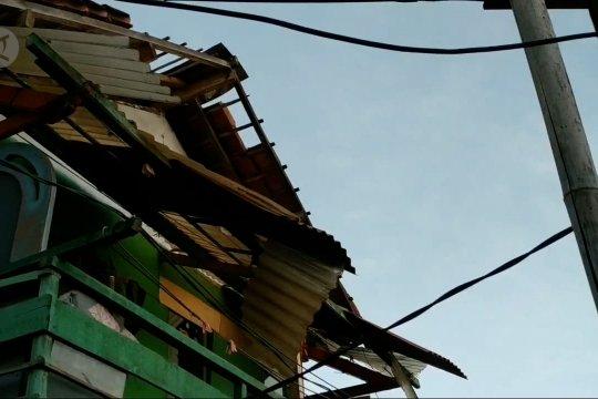Ratusan rumah di Pangalengan rusak terdampak angin kencang