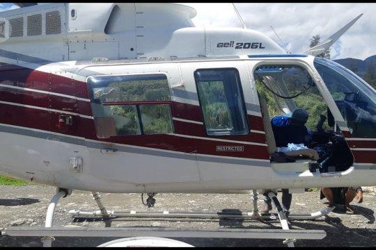 Helikopter pengangkut pekerja BTS ditembak di Papua