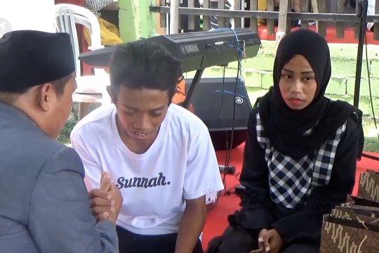 100 pasangan di Palu dinikahkan massal