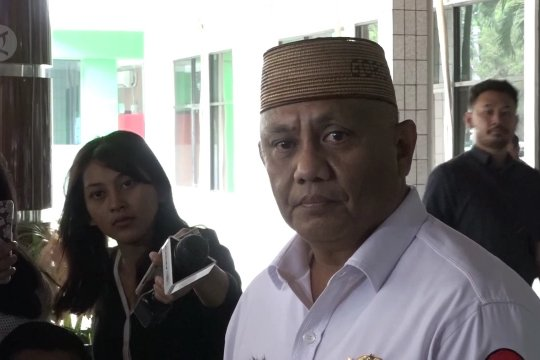 Gubernur Gorontalo hanya bisa berbicara dengan istri Wiranto