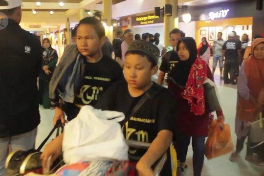 Tempuh waktu belasan jam 178 perantau Minang tiba di Sumbar