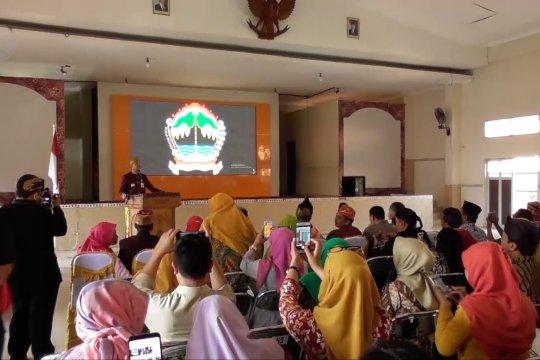 Ganjar Pranowo minta kepala sekolah awasi siswannya