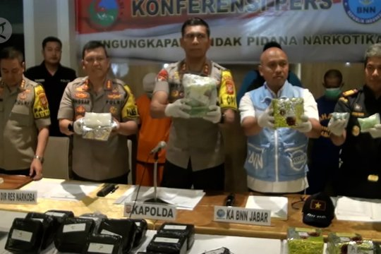Polisi dan BNN sita 17 kg sabu berkemasan teh Tiongkok
