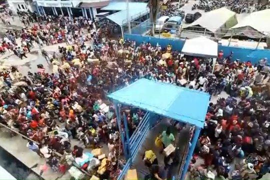 Ribuan pengungsi Wamena pulang kampung gunakan kapal laut