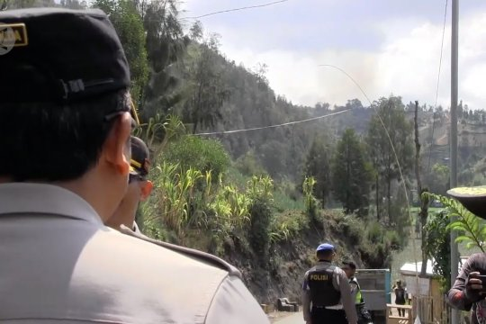 Wakapolda Jatim tinjau kebakaran hutan Semeru