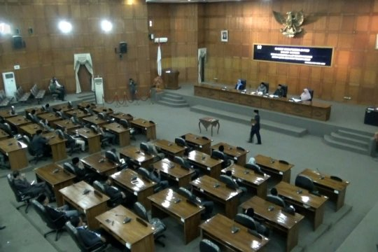 Wakil rakyat membolos dan main HP, BK DPRD Cilegon imbau jaga etika