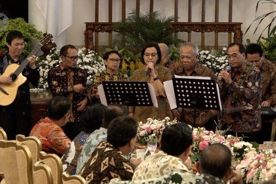 Canda tawa Presiden bersama Wapres dan Menteri Kabinet Kerja