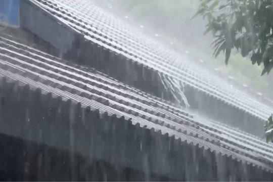 Ganjar imbau masyarakat petakan potensi bencana di musim hujan