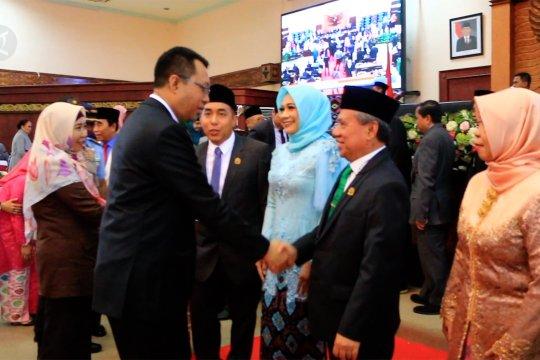 Ketua dan Wakil Ketua DPRD NTB periode 2019-2024 dilantik