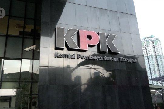 Pemeriksaan Bupati Lampung Utara pasca OTT