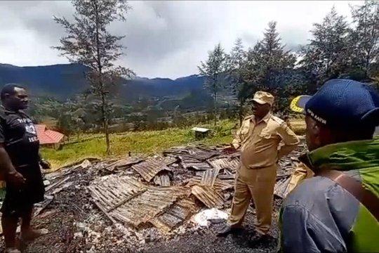 Bupati Puncak Papua tinjau lokasi konflik KKB
