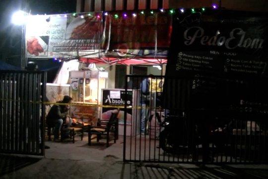 Densus 88 kembali geledah 2 rumah terduga teroris di Bandung