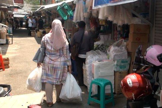 Mulai 2020, kantong plastik di Kota Bandung berbayar Rp5.000