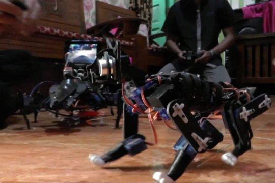 Pemuda Palembang ciptakan robot berbahan limbah rumah tangga
