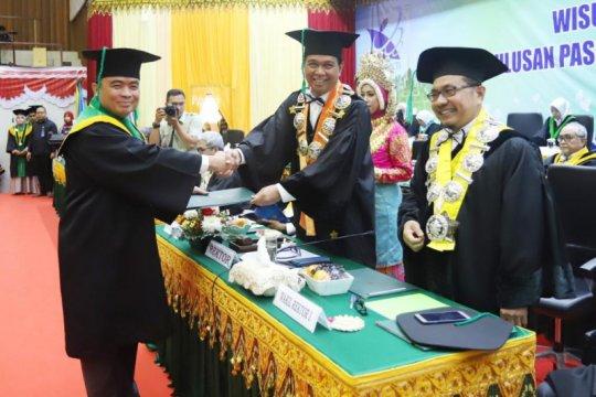 Pangdam Iskandar Muda raih cum laude di Unsyiah