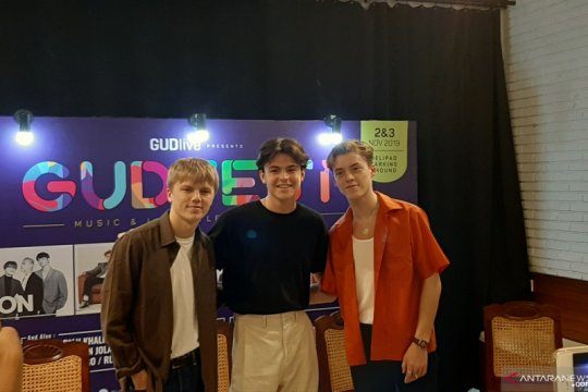 New Hope Club harap penggemar Indonesia nikmati musik mereka