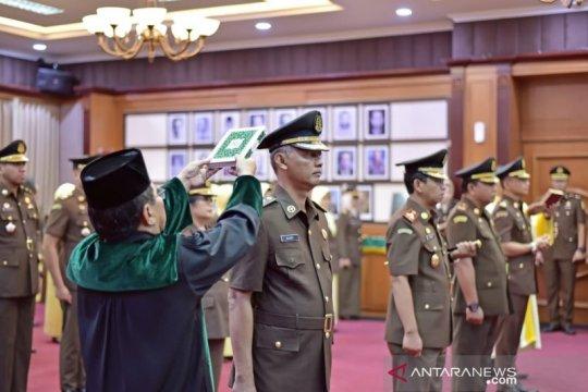Empat pejabat Kejati DKI Jakarta dilantik dan diambil sumpah