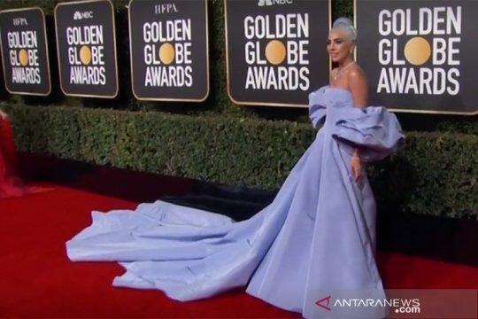Tertinggal di hotel, Gaun Lady Gaga dilelang mulai dari ratusan juta