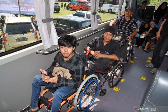 Layanan bus penyandang disabilitas