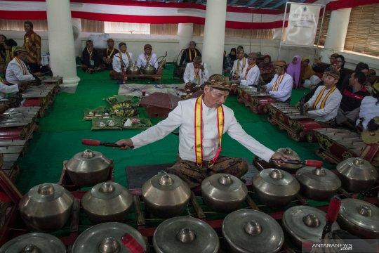Tabuh gamelan tanda dimulainya perayaan Sekaten 2019 di Solo