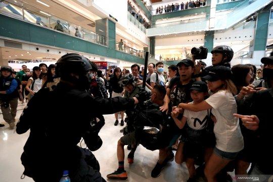 Xinhua diserang, media China desak 'aturan lebih tegas' di Hong Kong