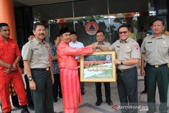 BNPB serahkan bantuan 10 pompa air kepada Pemprov Riau
