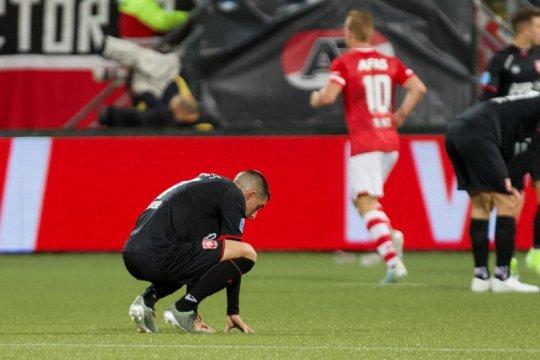 AZ Alkmaar tumbangkan 10 pemain Twente kala PSV hanya bermain imbang