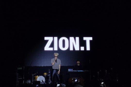 Zion. T terpukau dengan energi penggemarnya di Indonesia