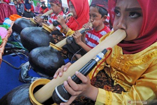 Gebluk, alat musik tradisional yang hampir punah