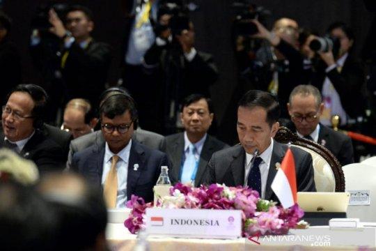 Dalam KTT Asia Timur, Presiden Jokowi angkat isu limbah B3