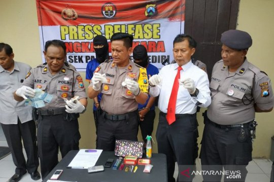 Polisi Kediri tahan dua pengedar sabu-sabu