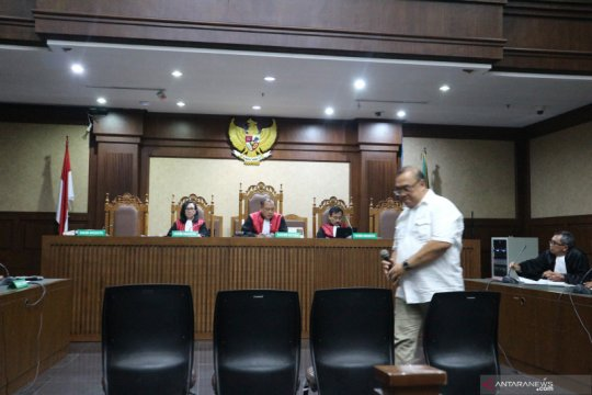 Aspidum Kejati DKI didakwa terima suap