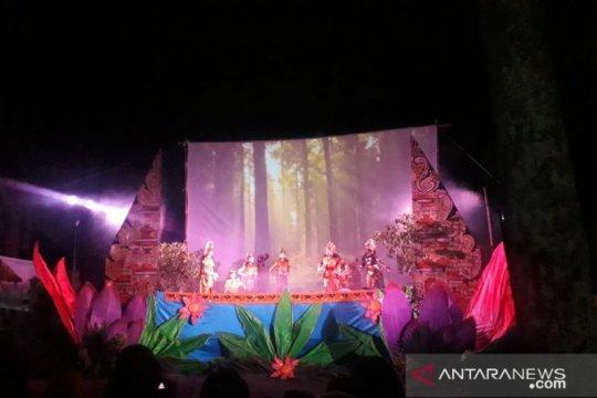 Sanggar Paripurna Bona pentaskan wayang golek modern dengan animasi