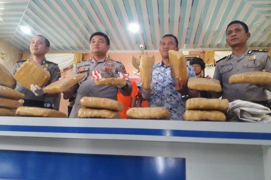 Polres Pasaman Barat tangkap pengedar ganja 17 kilogram