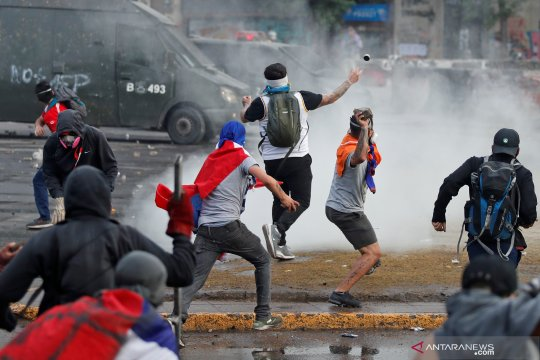 Aksi protes di Chile masih berlangsung