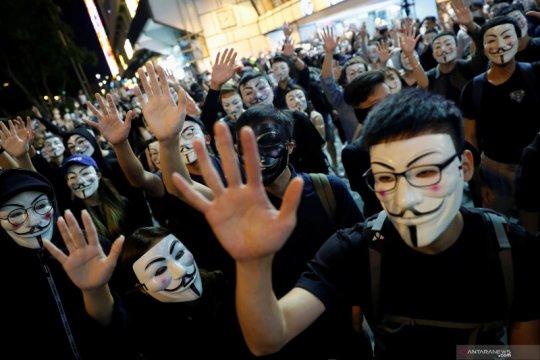Mahasiswa Hong Kong yang jatuh selama protes meninggal di rumah sakit