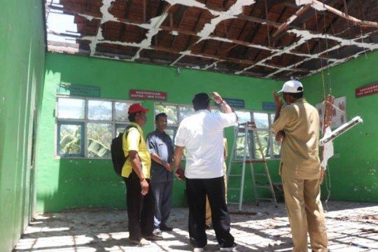 Pemkab Nganjuk segera benahi atap SD yang runtuh