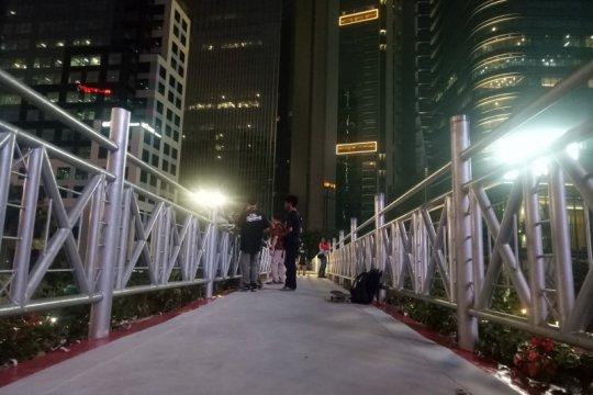 Pro- kontra masyarakat terhadap atap JPO Sudirman terbuka