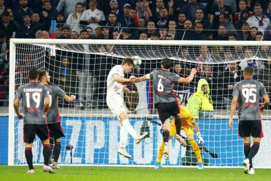 Tekuk Benfica 3-1, Lyon hidupkan peluang tembus 16 besar