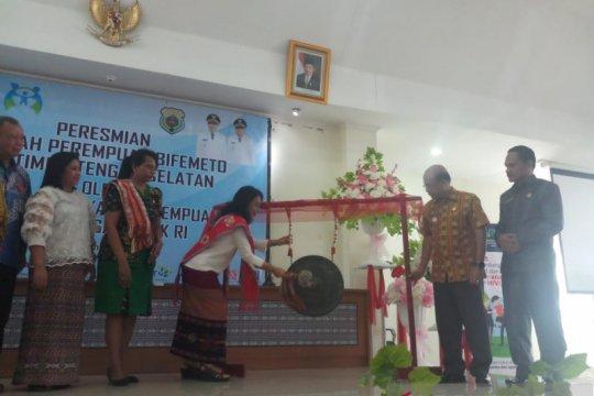 Menteri Bintang Puspayoga resmikan sekolah perempuan di TTS