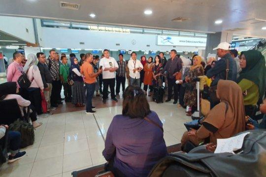 Penerbangan Sriwijaya Padang-Jakarta batal penumpang ricuh